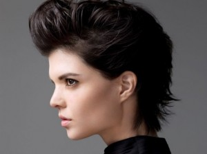 Come far crescere i capelli corti