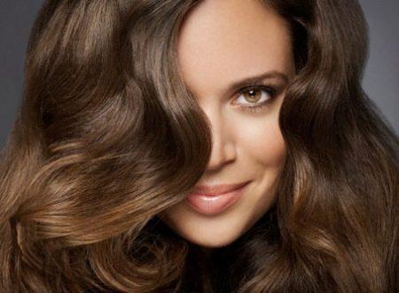 10 consigli per far crescere capelli lunghi