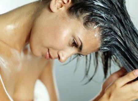 Curare i capelli con lo yogurt bianco